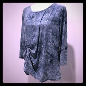 Blue sequined blouse with detailed stitching